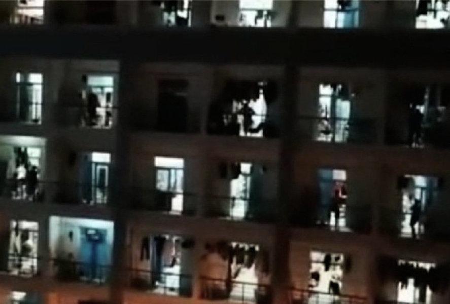 河南科大學生喊樓要冷氣機 外國學生享超級待遇