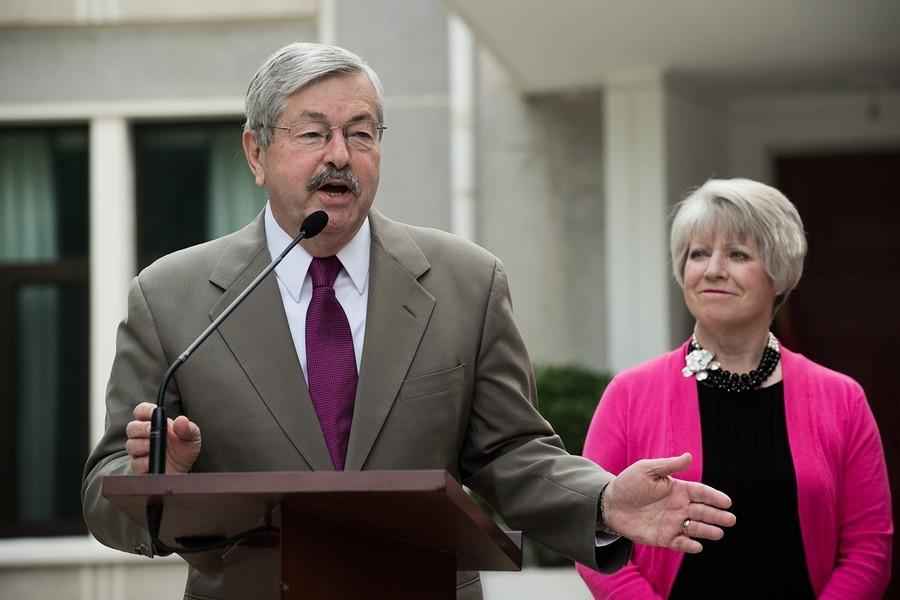 美國駐華大使布蘭斯塔德將於下月初卸任
