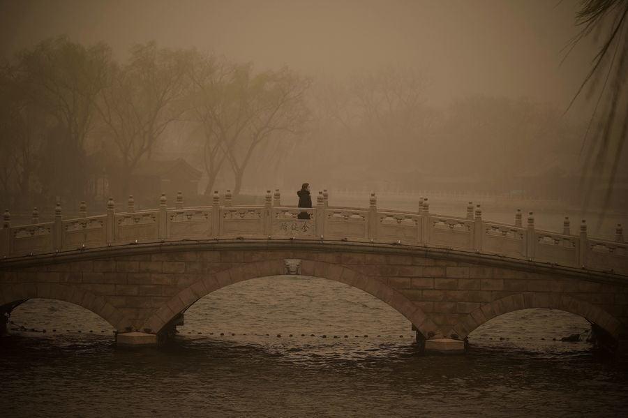 沙塵暴擴散中國17省 南韓全境籠罩黃沙