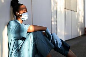 【影片】調查:疫情下 35%成年人承認心理狀況惡化