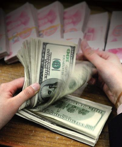 有中國學者表示,中共可能按下金融「核彈選項」,大舉拋售所持美國公債逾25%。不過分析認為,中共所持有的美債佔比不高,「最終只會傷敵八百、自損一萬」,根本是自殺的核武大招。(Getty Images)