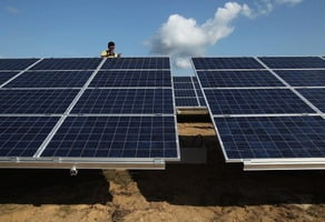 德公司進口中國太陽能產品涉欺詐 逃稅數千萬