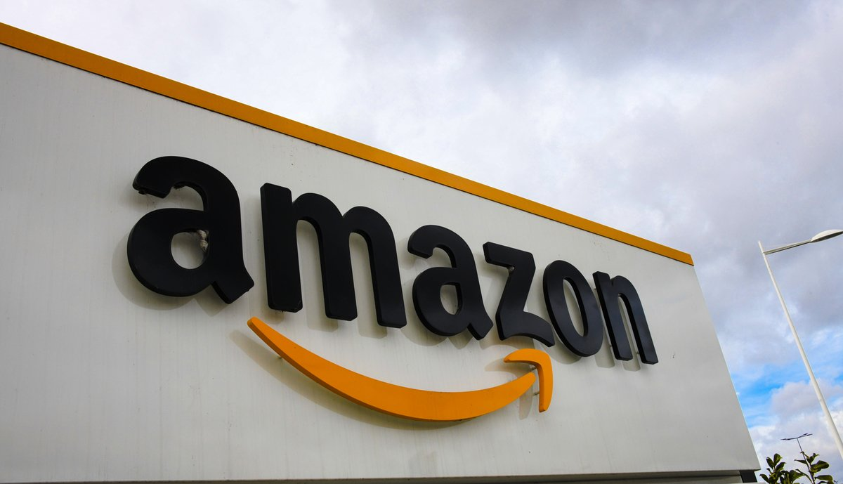 亞馬遜日本已停止通過其在線商店銷售華為技術產品,成為美國政府將華為列入黑名單後,最新一個和華為切割的公司。(AFP)
