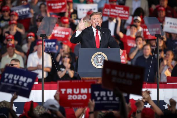 2019年5月20日,特朗普總統在賓州蒙特斯維爾市(Montoursville)的威廉斯波特地區機場(Williamsport Regional Airport)舉行的「讓美國再次偉大」競選集會上發表講話。(Drew Angerer/Getty Images)