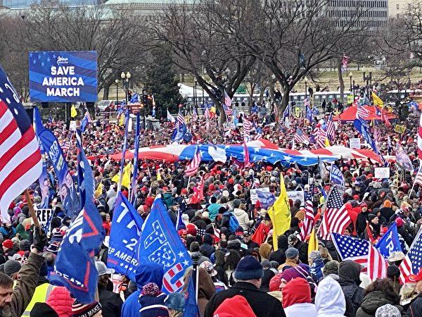 1月6日,美國國會聯席會議確定下屆總統,來自美國各地數以百萬的民眾在華盛頓DC舉行「制止竊選」、「拯救美國」的和平集會現場。(李桂秀/大紀元)