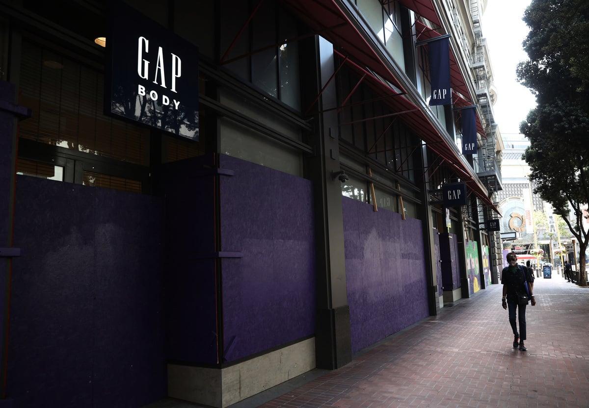 2020年8月18日,美國著名服裝零售商Gap宣佈,受到疫情嚴重衝擊,將永久關閉三藩市大部份分店。(Justin Sullivan/Getty Images)