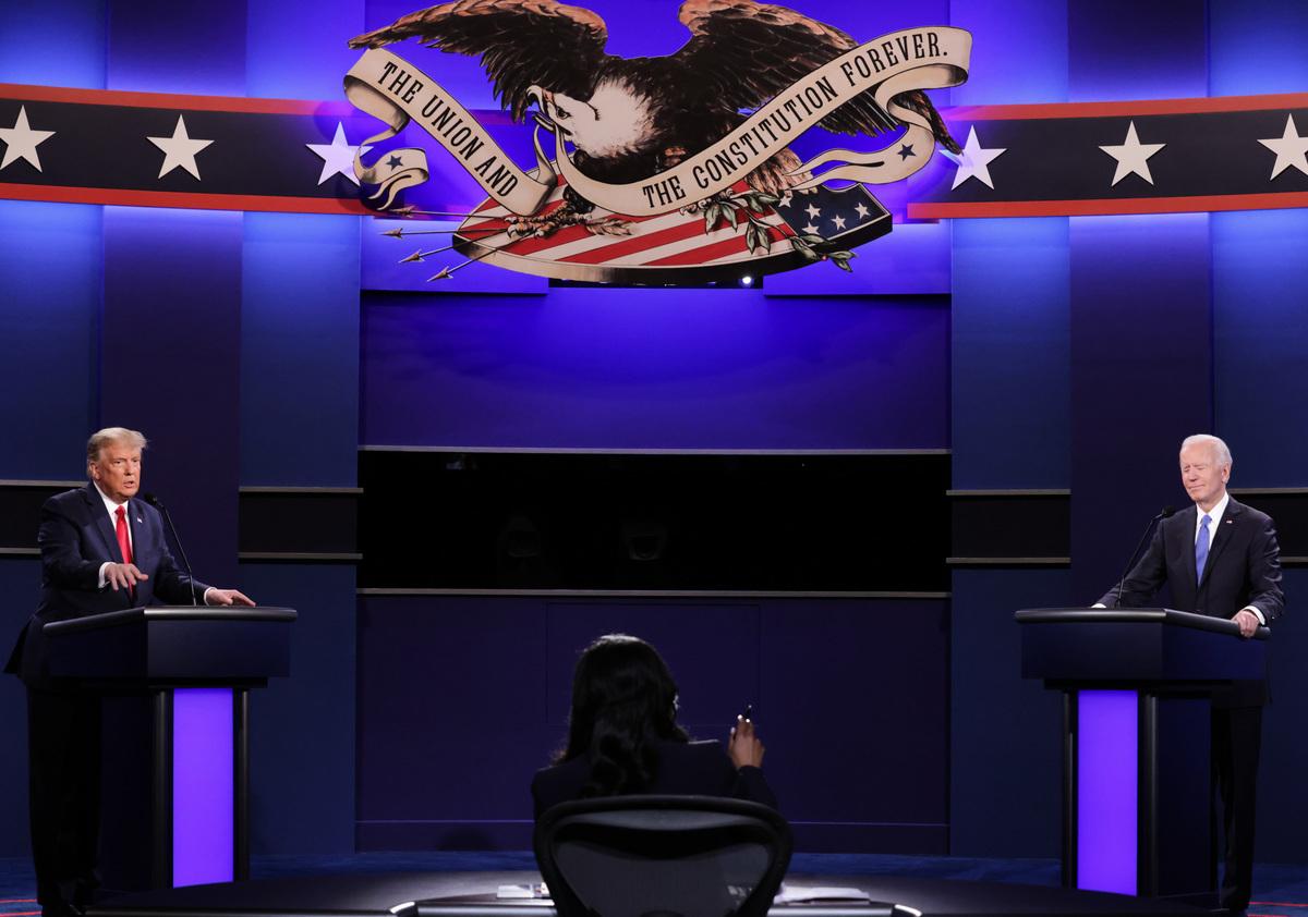 2020年10月22日,美東時間晚上9時,美國大選最後一場總統辯論在納什維爾拉開帷幕。特朗普和拜登就「亨特電腦門」激辯。(Chip Somodevilla/Getty Images)