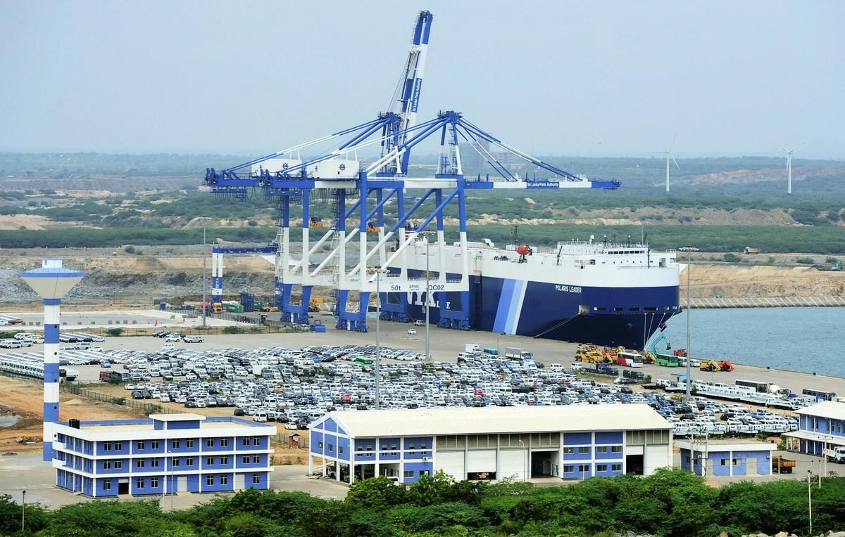 新加坡智囊尤索夫伊薩東南亞研究所(ISEAS-Yusof Ishak Institute)的調查顯示,七成的受訪者認為,東南亞國家應該慎防中共的「一帶一路」項目。圖為中共投資興建的斯里蘭卡漢班托塔港。(LAKRUWAN WANNIARACHCHI/AFP/Getty Images)