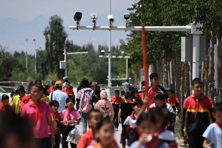 入疆遊客被中共偷裝軟件 7.3萬項內容遭監控
