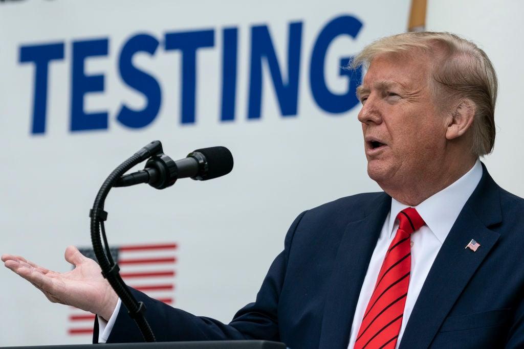 2020年5月11日特朗普總統在白宮玫瑰園舉行了新聞發佈會,主題是:「美國在測試方面處於世界領先地位」。(Drew Angerer/Getty Images)