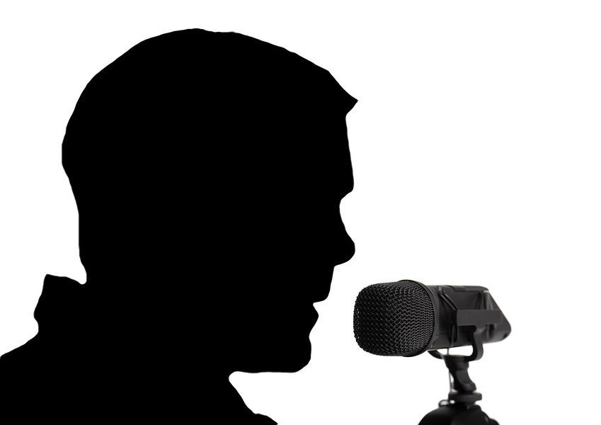 美國男子有超能力 可以倒著說話和唱歌