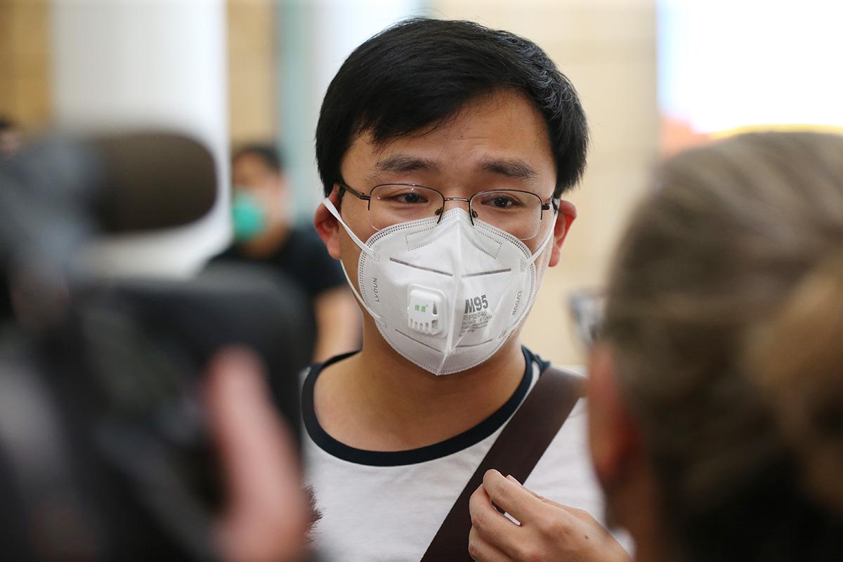 中國衛生防疫專家表示,目前發現中共病毒的傳播途徑有三種:氣溶膠傳播、直接傳播和接觸傳播。(Don Arnold/Getty Images)