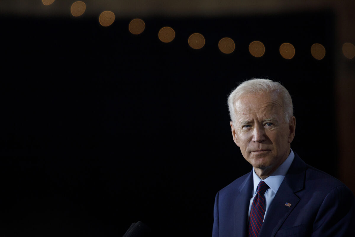 2019年8月7日,民主黨總統候選人祖·拜登在愛荷華州伯靈頓。(Tom Brenner / Getty Images)