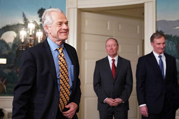 白宮貿易與製造業政策辦公室主任彼得・納瓦羅建議,投資者對中美貿易談判過程保持耐心,同時不要相信在中國或美國媒體上看到的關於談判的任何內容,除非它來自總統或貿易代表萊特希澤之口。(MANDEL NGAN/AFP/Getty Images)