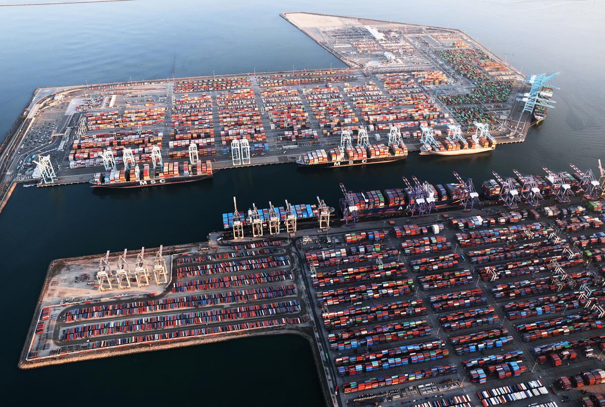 供應鏈中斷的問題持續干擾,恐演變成整個航運產業的「危機」。(Mario Tama/Getty Images)