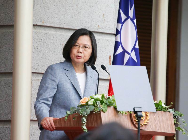 中華民國總統蔡英文5月20日在台北賓館發表就職演說。她表示,這是中華民國史上最特別的就職典禮,感謝防疫期間信任政府、保持公民美德的台灣人,以及居家檢疫與隔離的人忍受生活不便,成就台灣防疫成功。(中央社)