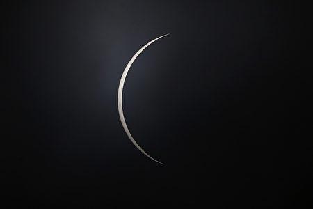 月全食示意圖。(Marcelo Hernandez/Getty Images)