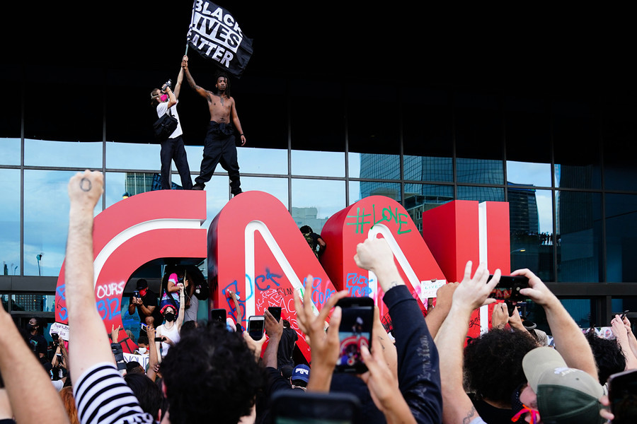 非裔死亡案抗議蔓延 CNN總部大樓遭破壞