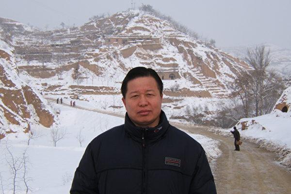 高智晟律師已失蹤3年,音訊皆無。圖為2006年初身在陝北老家的高智晟律師。(葉霜提供)