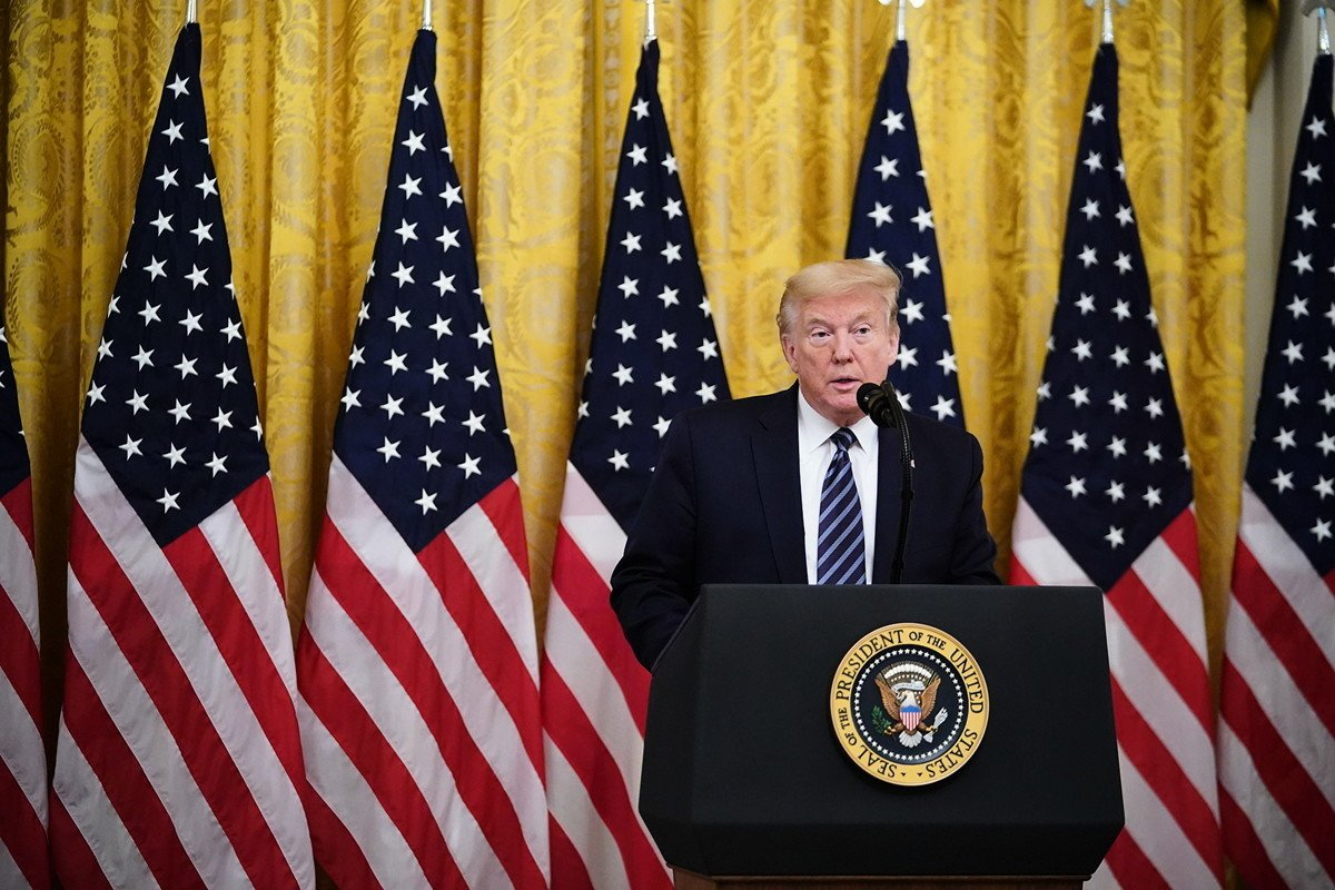 霍士商業新聞(FOX Business)獲悉,特朗普總統正在切斷美國聯邦退休基金和中國股票之間的投資關係,且此舉和特朗普政府不滿中共處理病毒疫情方式有關。(MANDEL NGAN / AFP)