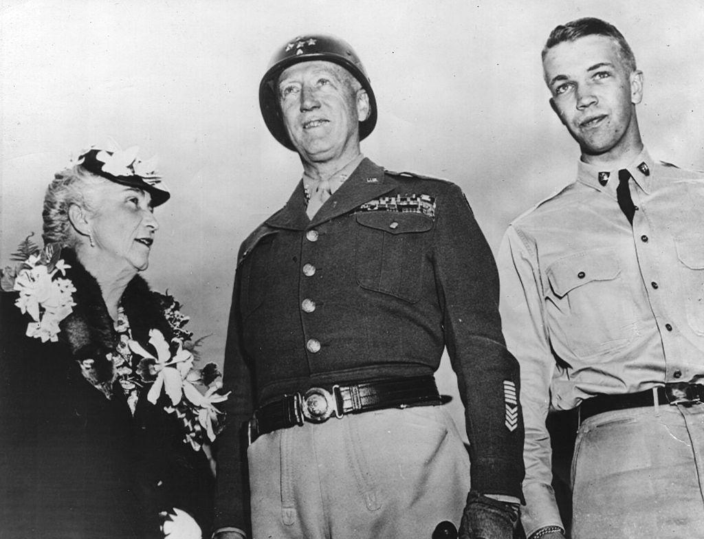 關於美國二戰將軍巴頓和他的事跡,不少人已經耳熟能詳。他在突出部戰役中,率25萬官兵潛心祈禱而後奇蹟般獲勝的經歷,為許多人帶來啟示。(Keystone/Getty Images)