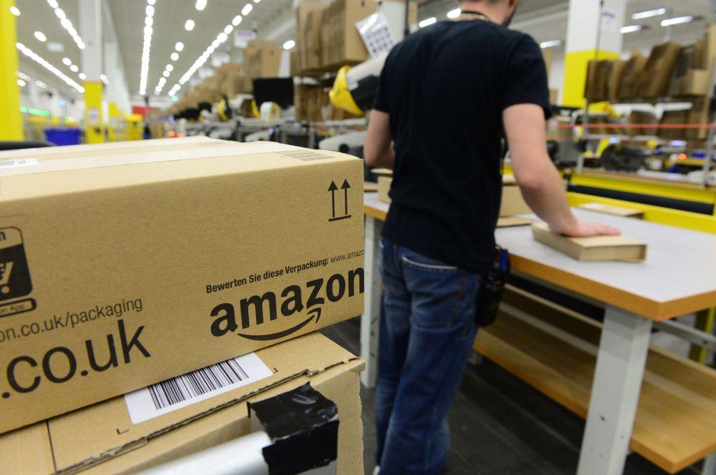 有商家向留下差評的顧客提供好處,希望他們取消差評。(JOHN MACDOUGALL/AFP via Getty Images)
