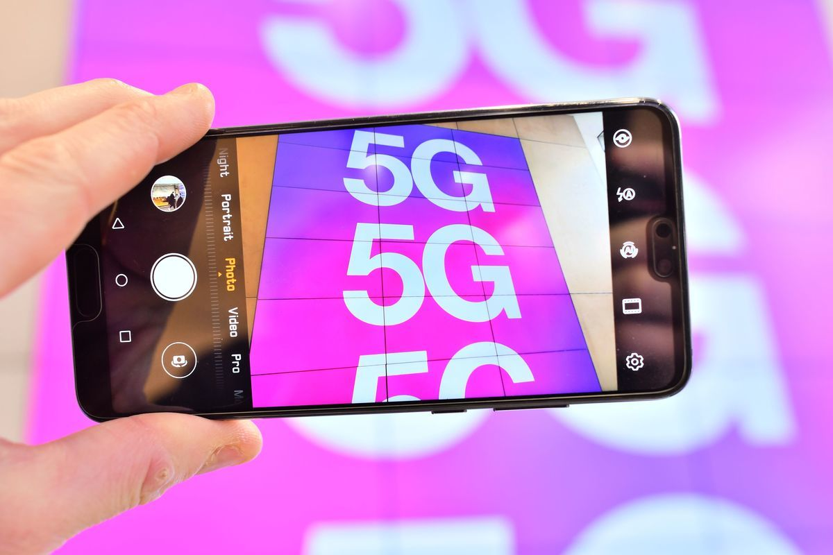 華為最新預計, 其智能手機2020年出貨量將下降20%左右。(JUSTIN TALLIS/AFP via Getty Images)