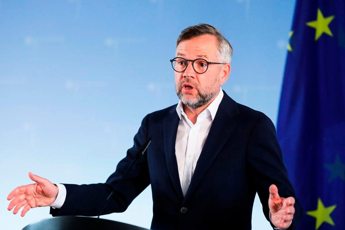 德國外交部次長羅思(Michael Roth)周日於媒體投書指出,中共是「系統性的競爭對手」。他說,歐盟應團結一致,以捍衛歐盟的價值觀和利益。(MARKUS SCHREIBER/POOL/AFP via Getty Images)