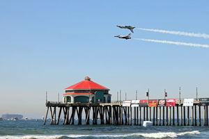 美國南加州發生嚴重漏油事故 海灘關閉航展取消