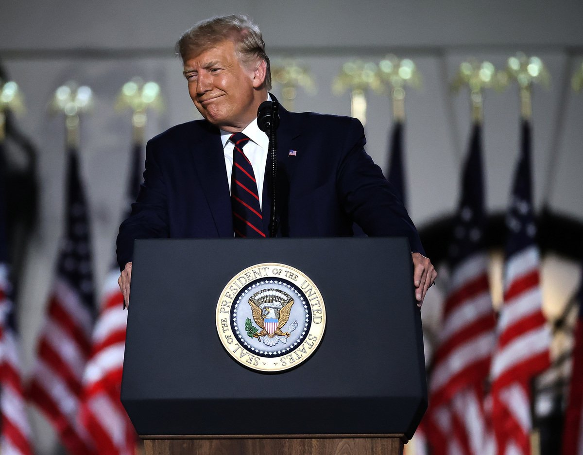 2020年8月27日,唐納德·特朗普總統於華盛頓特區白宮南草坪上接受共和黨總統候選人提名,並當著1,500位受邀嘉賓發表接受感言。(Chip Somodevilla/Getty Images)