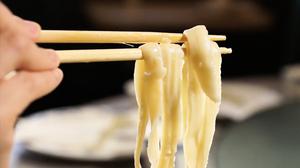 滬公務員開吃「半份菜」 網友:秀給韭菜看