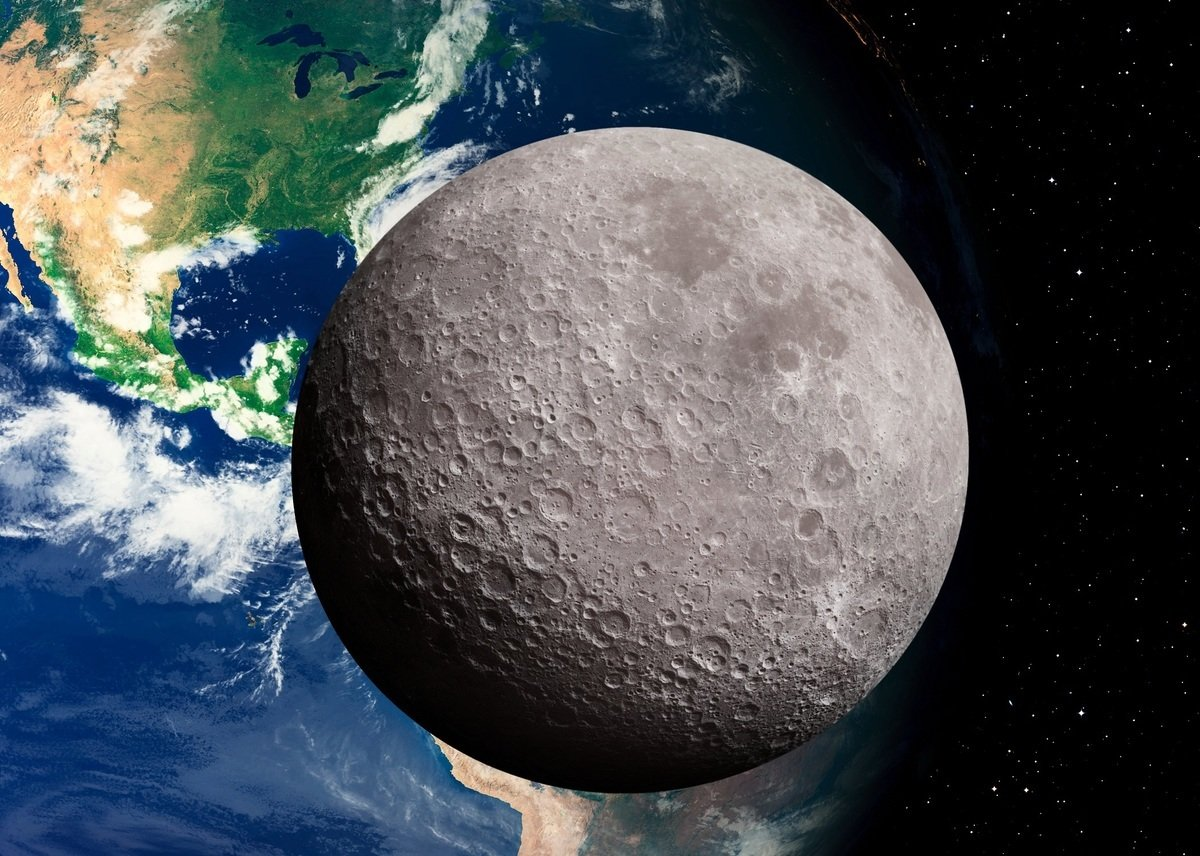 月球自轉和其繞地球公轉的周期相同,因此一直只有一個面對著地球,也令人們對其背面充滿好奇。(ShutterStock)
