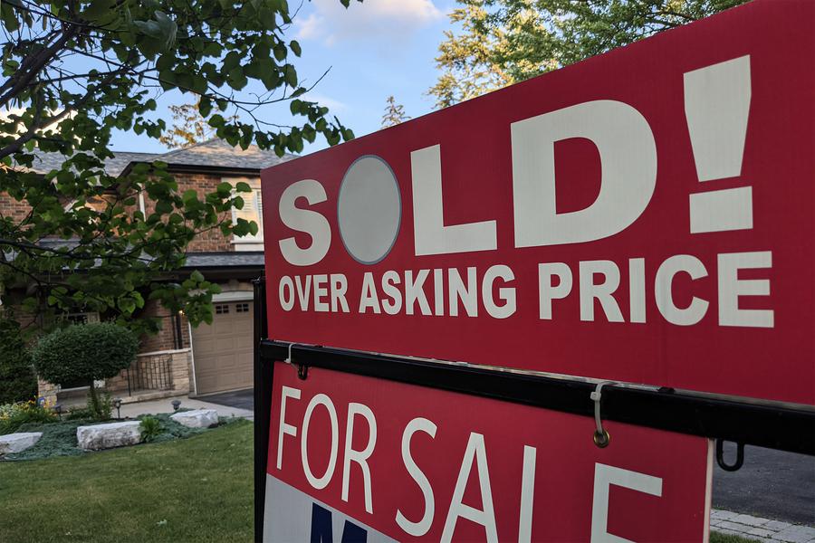 上市房供應大跌 8月大加拿大多倫多房價漲13%