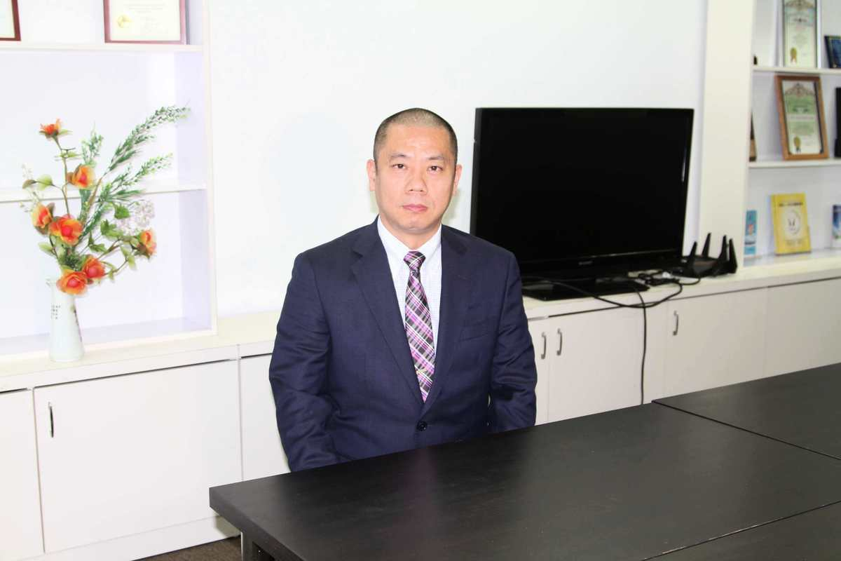 去年4月份才從大陸來到洛杉磯的北京刑事辯護律師盧偉華表示,王全璋是完全無罪的。(姜琳達/大紀元)