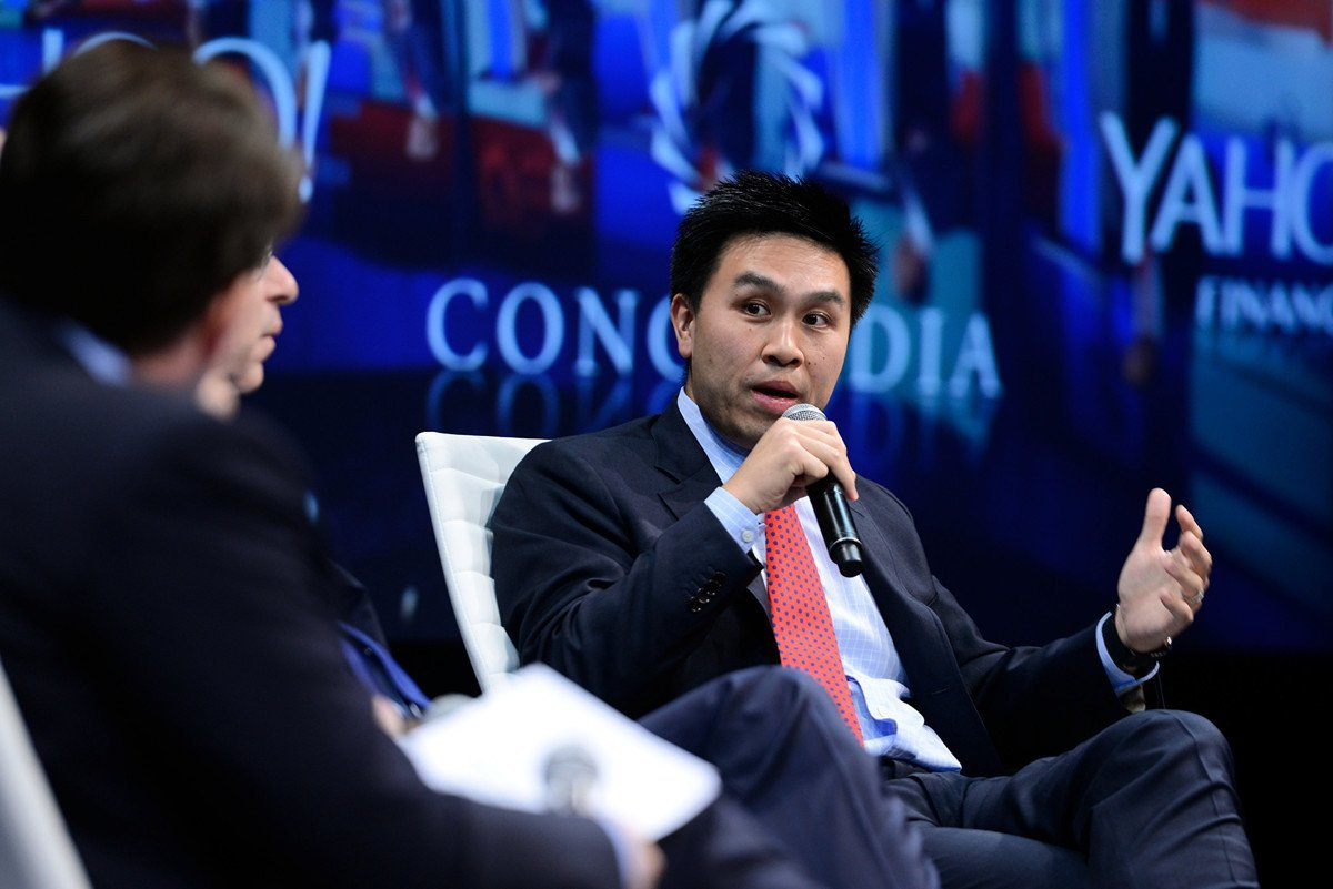 美國總統特朗普周五(4月17日)發推文轉述台裔學者陳仁宜(Lanhee Chen)質問世衛組織(WHO)的三大問題。圖為陳仁宜2015年在Concordia Summit的會議上講話。 (Leigh Vogel/Getty Images for Concordia Summit)