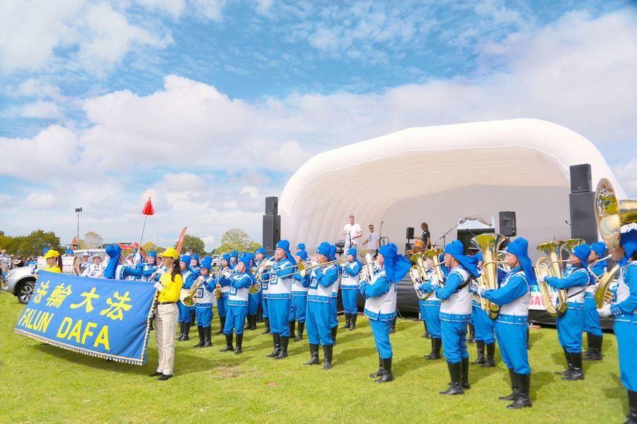 紐西蘭北島最大展示會 法輪功受歡迎