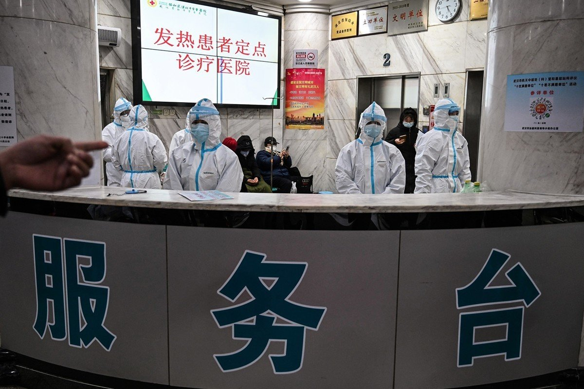 中共官方10日聲稱,武漢全市確診重症患者已全部入院,引起中外媒體質疑。(HECTOR RETAMAL/AFP via Getty Images)