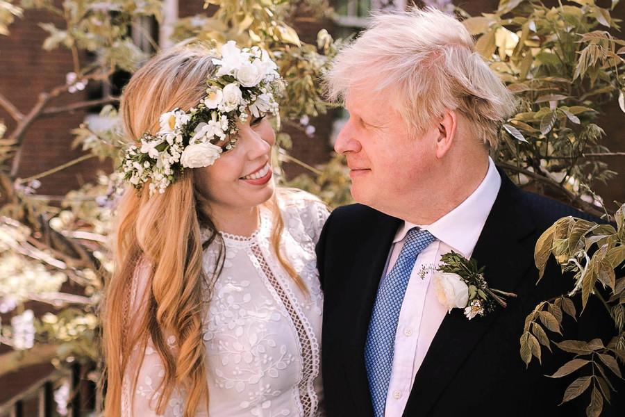 英首相與女友秘密結婚 唐寧街證實婚訊
