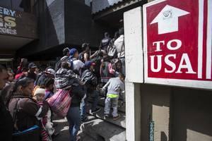 拜登宣佈難民限額增四倍 接納6.25萬人