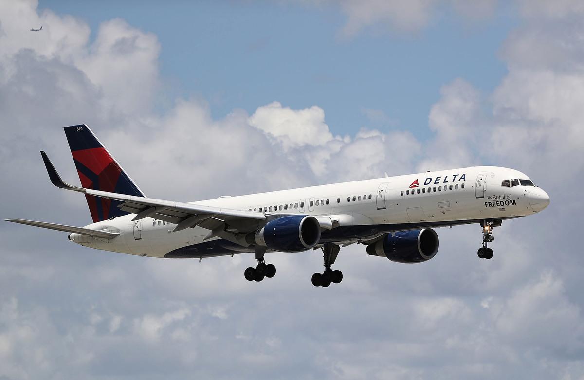 美國運輸部2020年8月8日表示,中美將各自允許航空公司將目前往返航班數量增加一倍,達到每周八次航班。圖為一架達美航空的飛機(示意圖)。(Joe Raedle/Getty Images)