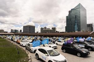 慶祝世界法輪大法日 多倫多舉行汽車大遊行
