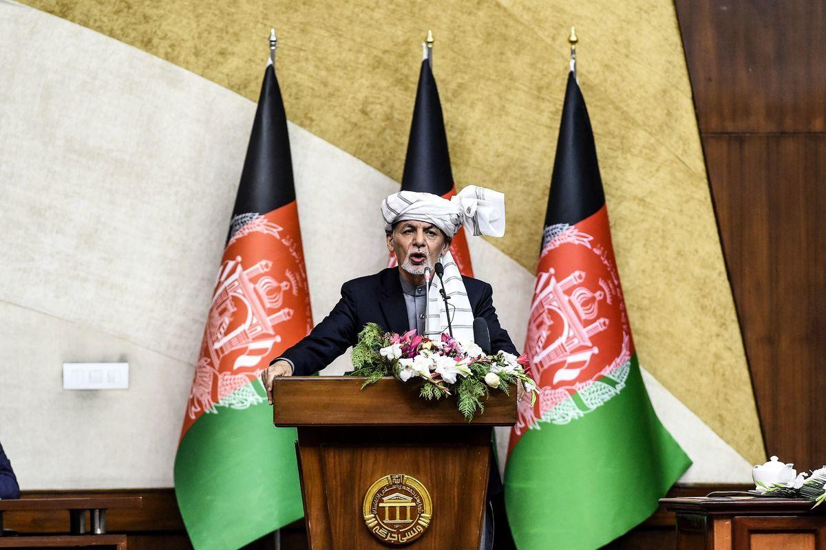 阿富汗總統加尼(Ashraf Ghani)已經獲得簡報稱,該國安全局已經抓捕10名中共間諜。圖為加尼資料照。(WAKIL KOHSAR/AFP via Getty Images)