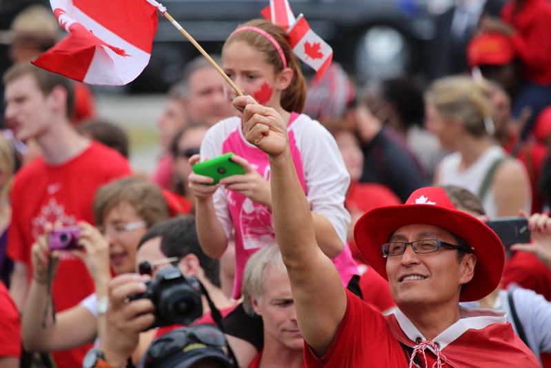 加拿大國慶日,在首都渥太華,成千上萬的人趕到國會山慶祝。(Pam McLennan/大紀元)
