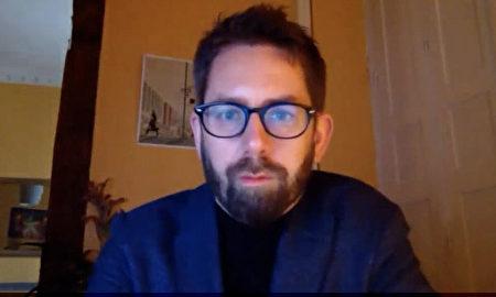2021年3月8日,非政府人權組織「保護衛士」負責人彼得·達林在西班牙接受《大紀元時報》影片採訪。(The Epoch Times/Screenshot)