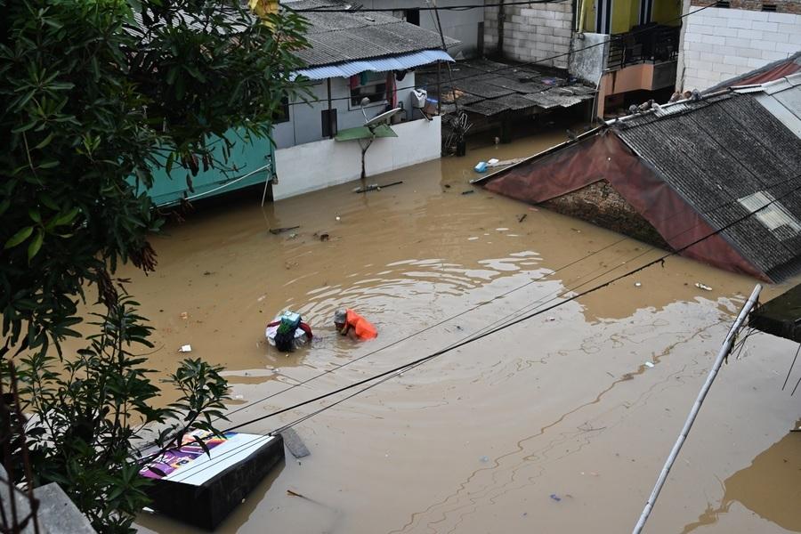 組圖:印尼多地暴雨成災 居民緊急撤離