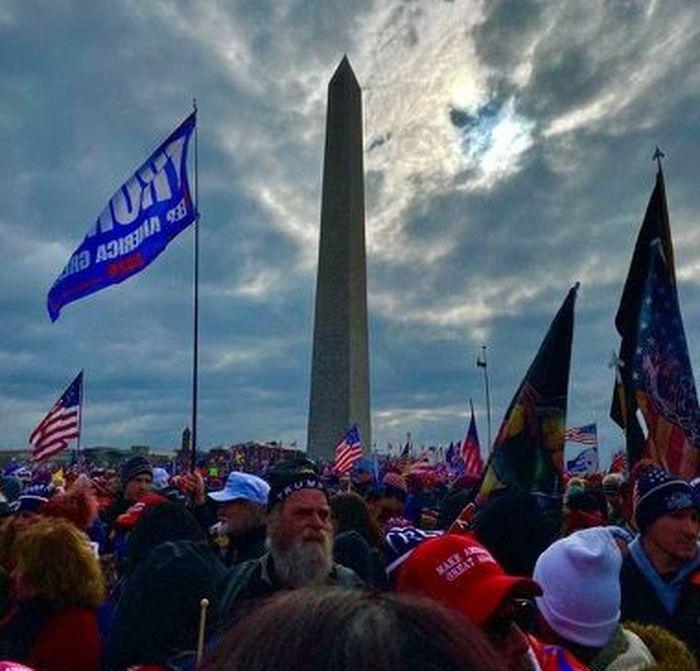 2021年1月6日,在華盛頓DC的特朗普總統支持者,人山人海。(受訪者提供)