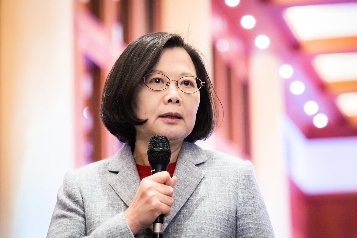 中華民國總統蔡英文11日出席大陸台商聯誼活動,呼籲台商「現在是回台的最好機會」,將生產基地移回台灣,把台商製造轉為台灣製造。(陳柏州/大紀元)