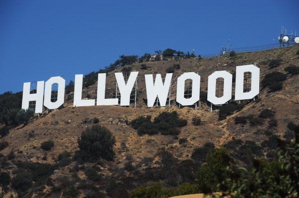 矗立在俯瞰洛杉磯的山坡上的荷里活(Hollywood)大招牌。攝於2011年9月21日。(ROBYN BECK/AFP/Getty Images)
