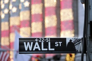 美債利率創14個月新高 金融股受惠納指挫3%