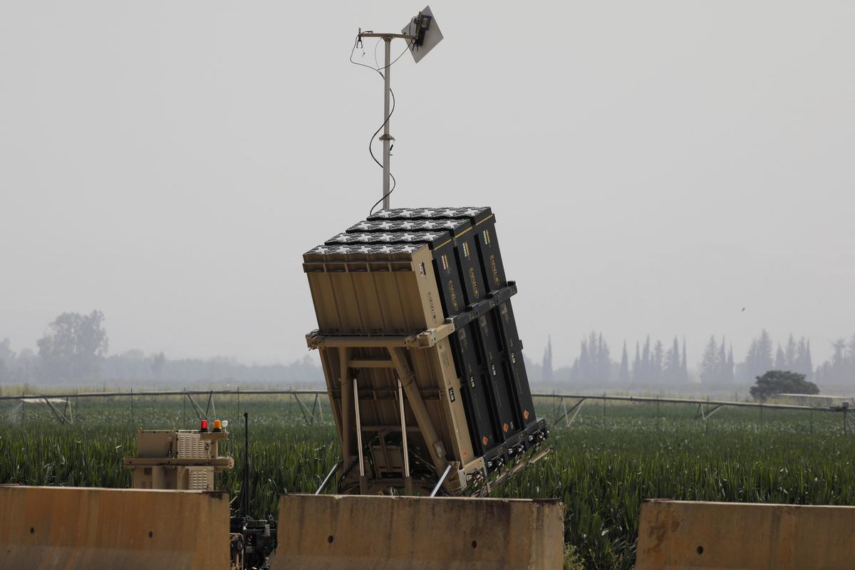2021年8月23日,以色列國防部表示,今年夏天早些時候,美國軍隊在本土對鐵穹導彈防禦系統(Iron Dome)進行了首次測試。圖為鐵穹系統。(JALAA MAREY / AFP)